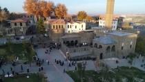 Tarihi Yapıların Asırlık Yolculuğu Aynı Kadrajdan Görüntülendi