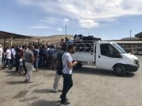 CAN GÜVENLİĞİ - 10 Günlük Bebeğiyle Savaştan Kaçarak Türkiye'ye Sığındı