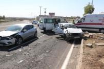 SELAHATTIN EYYUBI - Diyarbakır'da Trafik Kazası Açıklaması 3 Yaralı