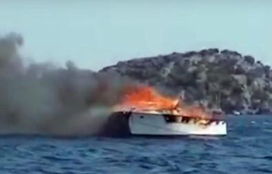 Milyonluk tekne böyle yandı!