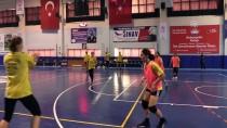 AVRUPA HENTBOL FEDERASYONU - Kastamonu Belediyespor Hem Lige Hem Avrupa'ya Hazırlanıyor