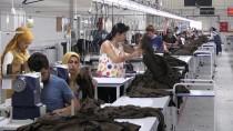Köy Köy Dolaşıp Fabrikaya İşçi Arıyorlar