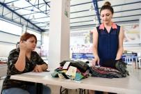 ZEYTIN DALı - Mersin'de İhtiyaç Sahiplerine Giysi Yardımı