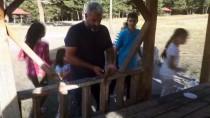 Piknikçilerin Davetsiz Misafiri Açıklaması 'Minik Sincap'