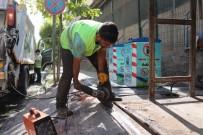 SIIRT BELEDIYESI - Siirt'te Çöp Konteynerleri Onarılıyor