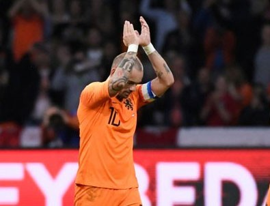 Sneijder veda etti
