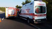 Uşak'ta Otomobil Tıra Çarptı Açıklaması 1 Ölü
