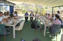 TURİZM CENNETİ - AK Parti Hakkari İl Başkanı Gür, Basın Mensupları İle Bir Araya Geldi
