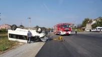 Düzce'de Kaza Yapan Minibüs Ters Döndü Açıklaması 2 Yaralı