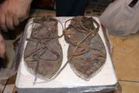 Hz. Muhammet'in Savaşta Giydiği Sandaleti Tasarladı