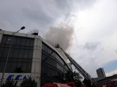 İkitelli'de iş merkezinde yangın