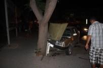 CEMAL GÜRSEL - Kontrolden Çıkan Otomobil Önce Ağaca Sonra Yayaya Çarptı Açıklaması 3 Yaralı