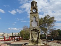 Kütahya Belediyesi'nden Hisarcık'a Saat Kulesi