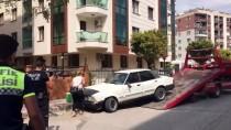 TRAFİK POLİSİ - Otomobiliyle Uygulama Noktasından Kaçan Ehliyetsiz Sürücü Yakalandı