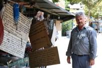 AHMET DAVUTOĞLU - Şair Seyyar Satıcı Müşterilerini Şiirle Karşılıyor