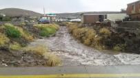 Siverek'te Sağanak Yağış Ve Dolu Etkili Oldu