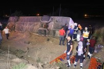 Yolcu otobüsü şarampole devrildi: 6 ölü, 44 yaralı