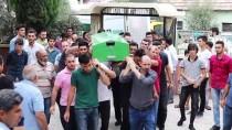 YıLDıRıM BEYAZıT - Aksaray'da Yolcu Otobüsünün Devrilmesi