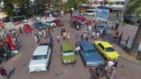 Ayvalık'ta Klasik Otomobiller Görücüye Çıktı
