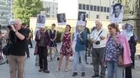 ÖMÜR BOYU HAPİS - Berlin'de Eyalet Parlamentosu Önünde NSU Mitingi