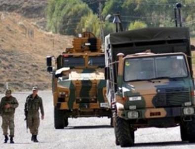 Hakkari'de askeri araç devrildi: 1 şehit