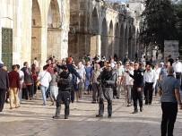YAHUDI - İsrail Tarım Bakanı Ariel, Mescid-İ Aksa'ya Baskın Düzenledi