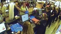 Müşterinin Unuttuğu Cüzdanın Çalınma Anı Kamerada