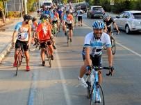 BELEDIYE OTOBÜSÜ - 'Pedalla Çeşme' Turuyla, Benzin Değil, Yağlarını Yaktılar