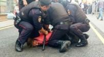 PETERSBURG - Rusya'da İzinsiz Gösteri Yapan 100 Kişi Gözaltına Alındı