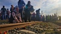 İyi Ki Varsın - Tren Kazasında Ölenlerin Yakınları Tren Rayına Karanfil Bıraktı