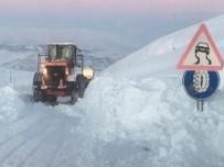 Adıyaman'da Kar Yağışı Nedeniyle Kapanan Yollar Açılıyor