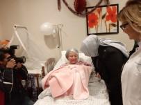 Zehra Zümrüt Selçuk - Bakan Selçuk Başkent'te Yeni Yılın İlk Bebeğiyle Buluştu