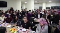 KREDI VE YURTLAR KURUMU - Bakanlar Yeni Yılı Öğrenci Yurdunda Karşıladı