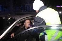 VATAN CADDESİ - Konya'da Yeni Yılda Trafik Ekipleri Gece Boyunca Alkol Uygulaması Yaptı
