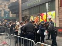 NEW YORK TIMES - New York Yeni Yıla Girmeye Hazırlanıyor