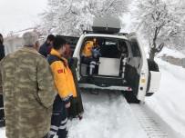 YÜKSEK ATEŞ - Paletli Ambulans Kar Nedeniyle Hastaya Güçlükle Ulaştı