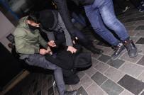 TAKSIM - Taksim'de Tacizler İşbaşındaydı Açıklaması Gözaltına Alındılar