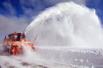2 Bin Rakımlı Yaylada Kar Manzaraları