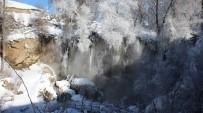 Buz Tutan Sızır Şelalesi Havadan Görüntülendi