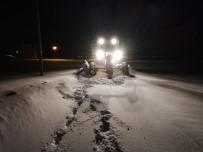 WHATSAPP - Çaldıran'da Kar Kalınlığı 1,5 Metreyi Buldu