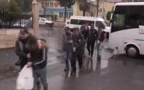 KİMLİK KARTI - Dolandırıcılık Yapan 15 Kişi Tutuklandı