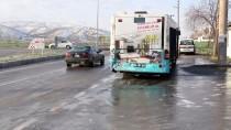 Kahramanmaraş'ta Öğrenci Servisiyle Otobüs Çarpıştı Açıklaması 8 Yaralı