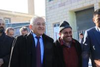 YEMLIHA - Başkan Büyükkılıç'ı Yemliha Halkı Bağrına Bastı