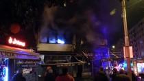 İTFAİYE ARACI - Bursa'da Tarihi Balıkçı Dükkanında Yangın