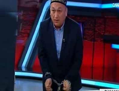 Canlı yayında Doğu Türkistan protestosu