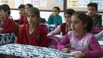 Elazığ'da İlkokul Öğrencisinden Örnek Davranış