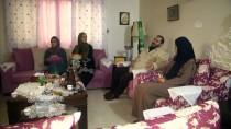 OYUNCAK BEBEK - Filistinli Sara, Babasının Aldığı Bebeğe 18 Yıl Sonra Kavuştu