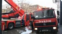 TUTKAL - Gaziantep'te Tutkal İmalathanesinde Yangın Açıklaması 2'Si Ağır 5 Yaralı