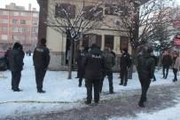 ERCIYES ÜNIVERSITESI - Hırsızlık İçin Girdiği Trafoda Elektrik Akımına Kapıldı
