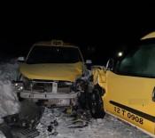 İki Taksi Çarpıştı Açıklaması 1 Yaralı